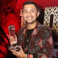 Anjasmara Raih Piala Celebrity With Healthy Lifestyle