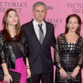 Jose Mourinho Bersama Keluarga di Pink Carpet Victoria's Secret Fashion Show 2014