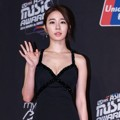 Yoo In Na di Red Carpet MAMA 2014