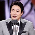 Jo Jin Woong Raih Piala Best Supporting Actor