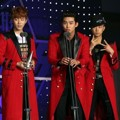 2PM Raih Piala Global Star