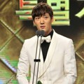 Choi Jin Hyuk Raih Piala Excellent Actor/Actress in a Special Project Drama