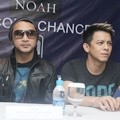 Giring Ganesha dan Ariel di Press Conference '1000 Cerita New Year's Eve'