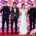 Pengisi Acara 'Roommate' di Red Carpet SBS Entertainment Awards 2014