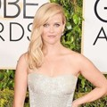 Reese Witherspoon di Red Carpet Golden Globe Awards 2015
