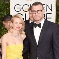 Naomi Watts dan Liev Schreiber di Red Carpet Golden Globe Awards 2015