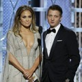 Jennifer Lopez dan Jeremy Renner di Golden Globe Awards 2015