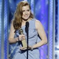 Amy Adams Raih Piala Lead Actress in a Motion Picture - Comedy or Musical