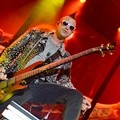 Aksi Johnny Christ di Konser 'Avenged Sevenfold Tour Asia 2015'