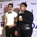 Kevin Julio dan Ricky Cuaca di Red Carpet Infotainment Awards 2015