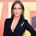 Jennifer Lopez di Red Carpet MTV Movie Awards 2015
