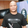 Iwa K di Press Conference Dubbing 'Transformers: Age of Extinction'
