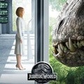 Bryce Dallas Howard di Poster Film 'Jurassic World'