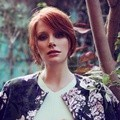 Bryce Dallas Howard Berpose untuk Majalah Online Who What Wear Edisi Juni 2015