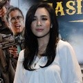Dea Ananda di Gala Premier 'Comic 8: Casino Kings'