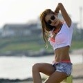 NS Yoon Ji Photoshoot untuk Single 'Honey Summer'