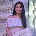 Sandra Dewi di Peluncuran Magnum White Collection