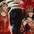 Taylor Swift dan Nicki Minaj di MTV Video Music Awards 2015