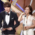 Leeteuk Super Junior dan Kim Ji Min di Korean Broadcasting Awards 2015