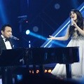 Bebi Romeo dan Clarisa Dewi di Result Show Grand Final X Factor Indonesia Season 2