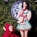 Pose Heechul Super Junior dan Sulli di Pesta Halloween SMTown