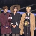 SHINee Raih Piala Best Dance Performance Male