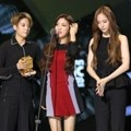 f(x) Raih Piala Global Fans Choice Female
