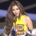 HyunA Raih Piala Best Solo Dance Performance