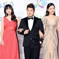 Hani EXID, Jun Hyun Moo dan Honey Lee di Red Carpet Seoul Music Awards 2016