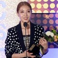 BoA Raih Piala Best Album