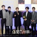 EXO Saat Raih Piala Korean Wave Special Award