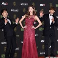 Jun Hyun Moo, Seohyun SNSD dan Kim Jong Kook di Red Carpet Golden Disc Awards 2016