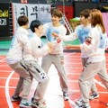 Aksi Seventeen di 'Idol Star Athletics Championships 2016'