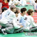 Seventeen di 'Idol Star Athletics Championships 2016'