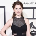 Anna Kendrick di Red Carpet Grammy Awards 2016