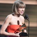 Taylor Swift Raih Piala Album of the Year