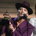 Bruno Mars Raih Piala Record of the Year