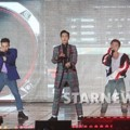 Big Bang Saat Tampil di Gaon Chart K-Pop Awards 2016