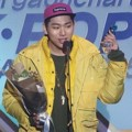 Zico Raih Piala Artist of the Year - November