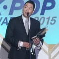 PSY Raih Piala Artist of the Year - Desember