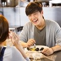 Kang Ha Neul Sebagai Lee Soo Ho di Film 'Happy Facebook'