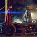 Batman dan Superman Siap untuk Bertarung di Film 'Batman v Superman: Dawn of Justice'