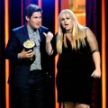 Rebel Wilson dan Adam DeVine Raih Piala Best Kiss