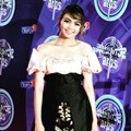 Cantiknya Rina Nose di Red Carpet SCTV Music Awards 2016