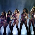 Fifth Harmony Tampil Nyanyikan Lagu 'Work From Home'