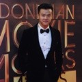 Dion Wiyoko Hadiri Indonesia Movie Actors Awards 2016