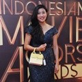 Olivia Zalianty Hadiri Indonesia Movie Actors Awards 2016