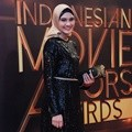 Zee Zee Shahab Hadir di Indonesia Movie Actors Awards 2016