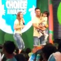 Keluarga Dian Ayu dan Ananda Omesh di Indonesia Kids' Choice Awards 2016