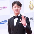 Kang Min Hyuk CN Blue di Red Carpet Seoul International Drama Awards 2016